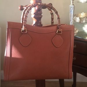 GUCCI -Vintage Carmel leather Tote hang bag